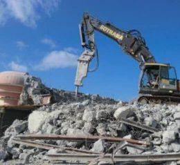 pelleteuse chantier BHR demolition bretagne
