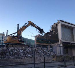 démolition bretagne chantier lorient pelleteuse gare