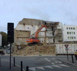 demolition batiment chantier bretagne pelleteuse curage